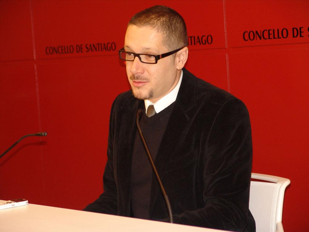 Paulo Rodríguez presentou o calendario cultural de decembro e xaneiro.