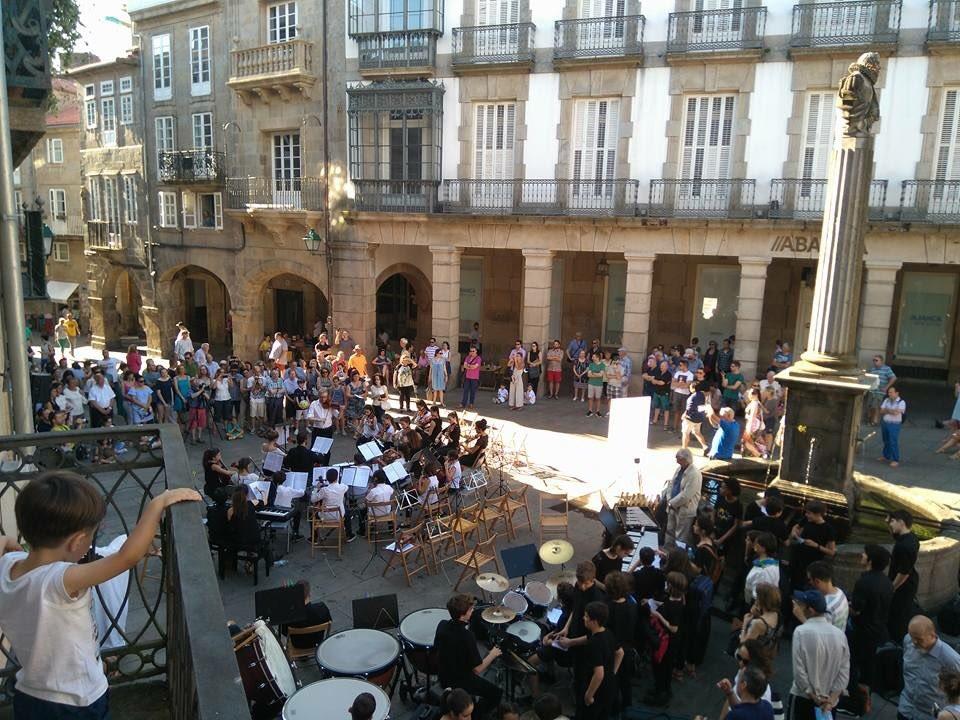 A praza de Cervantes foi o escenario dos concertos da EMM