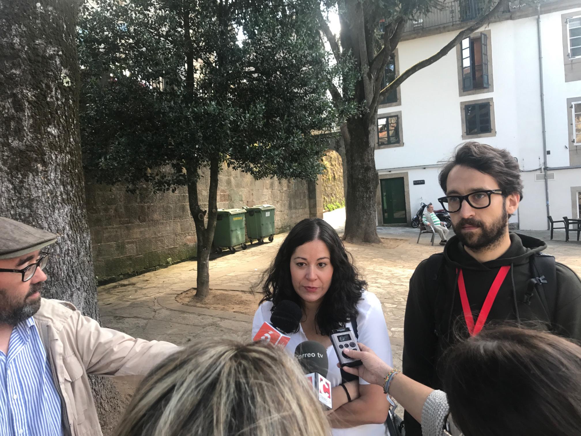 María Rozas atendendo os medios.