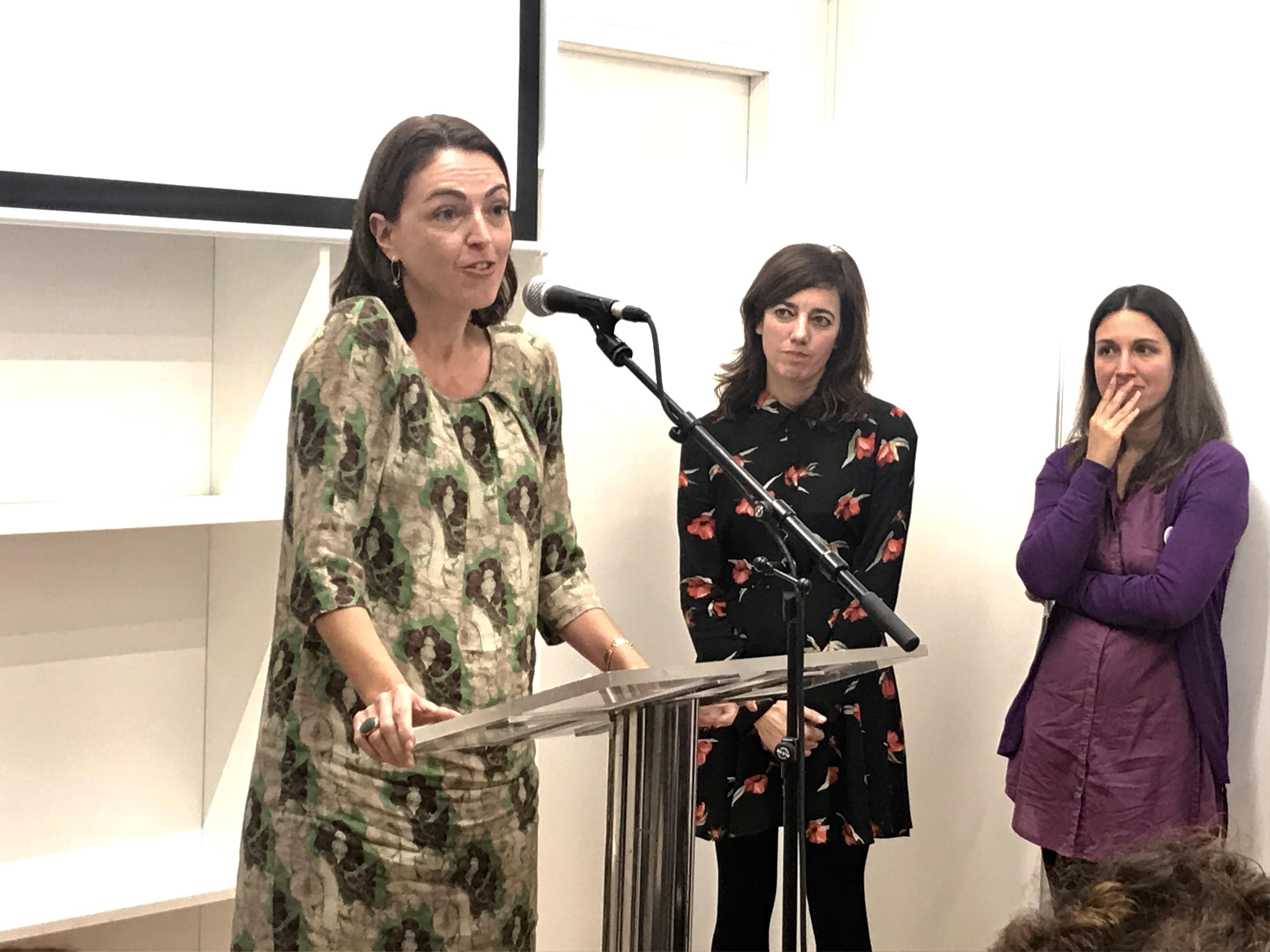 Momento da intervención de Andrea Ellacuría, filla de Xohana Torres.