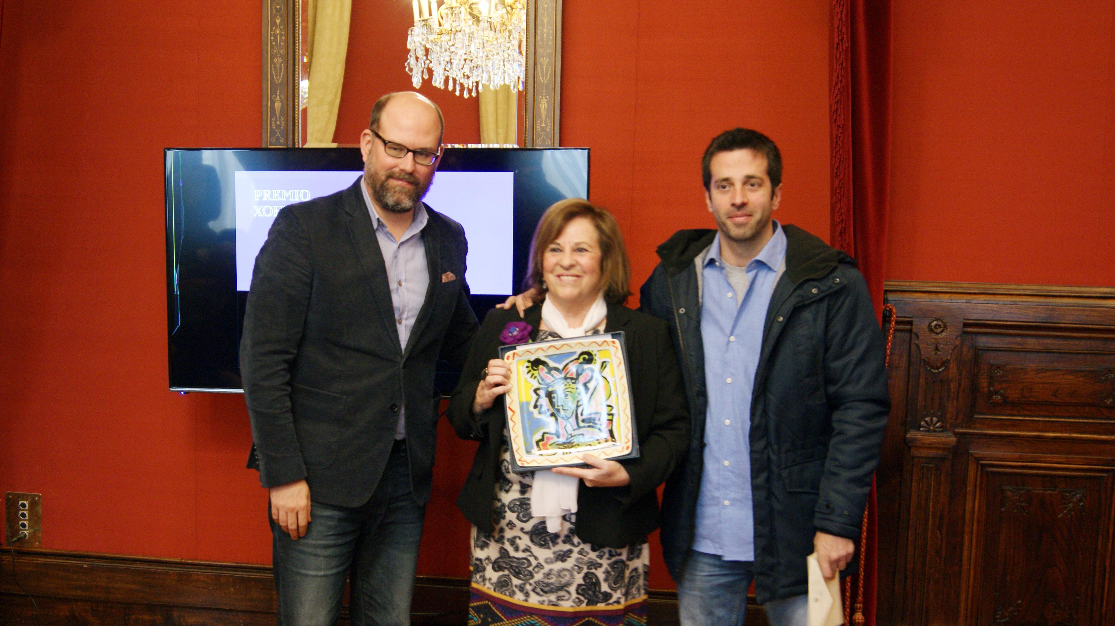 O alcalde con Aurora Marco e Pablo Ces.