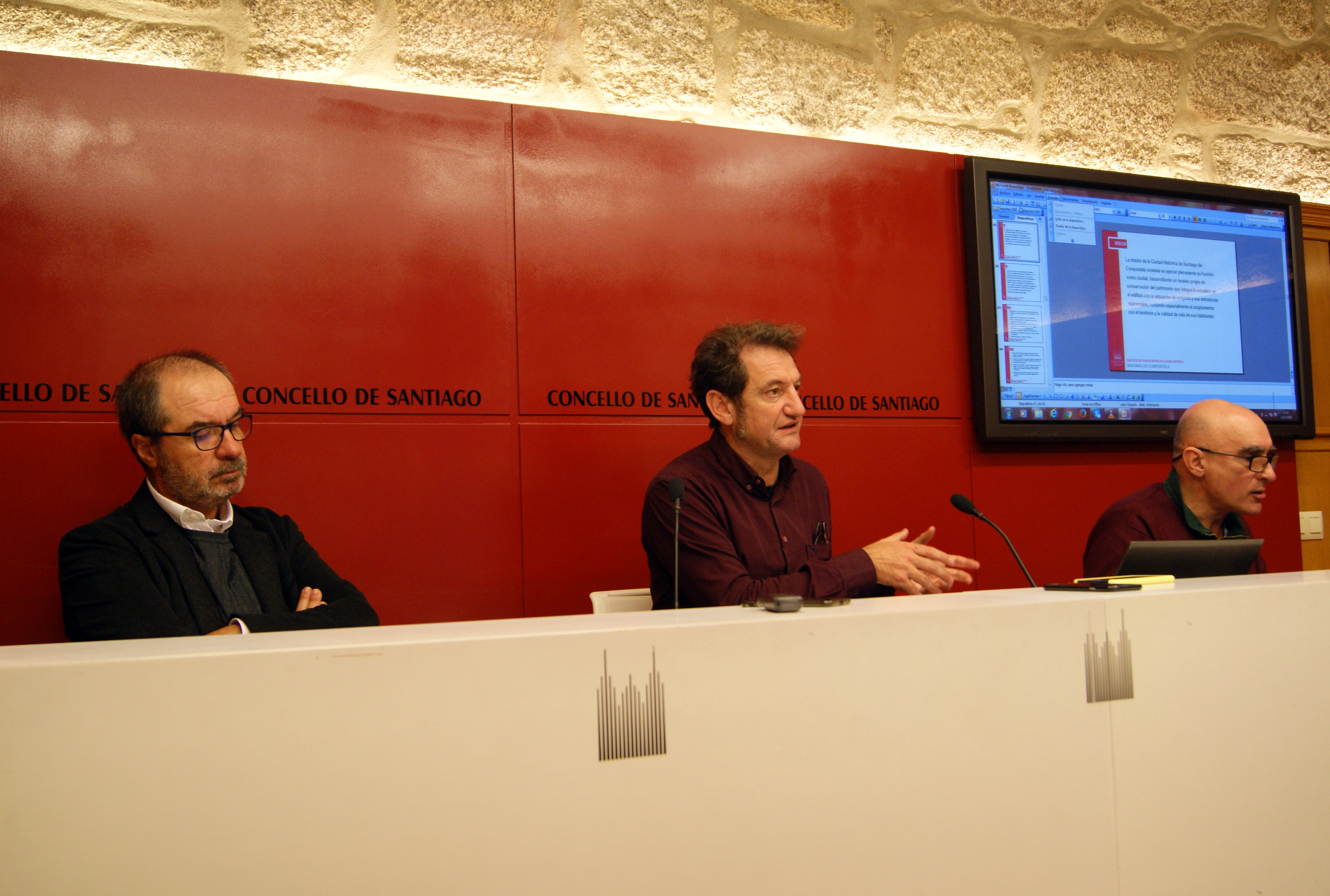 Antonino Antequera, Jorge Duarte e Juan Requejo durante a rolda de prensa.