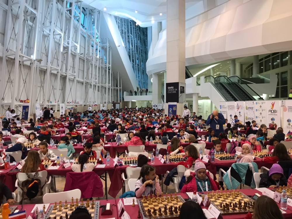 Imaxe xeral dos e das xadrecistas.