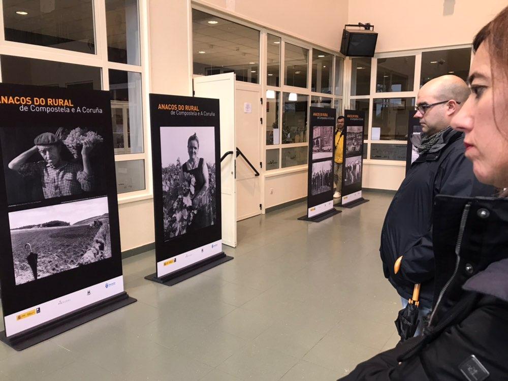 Visitando a exposición.