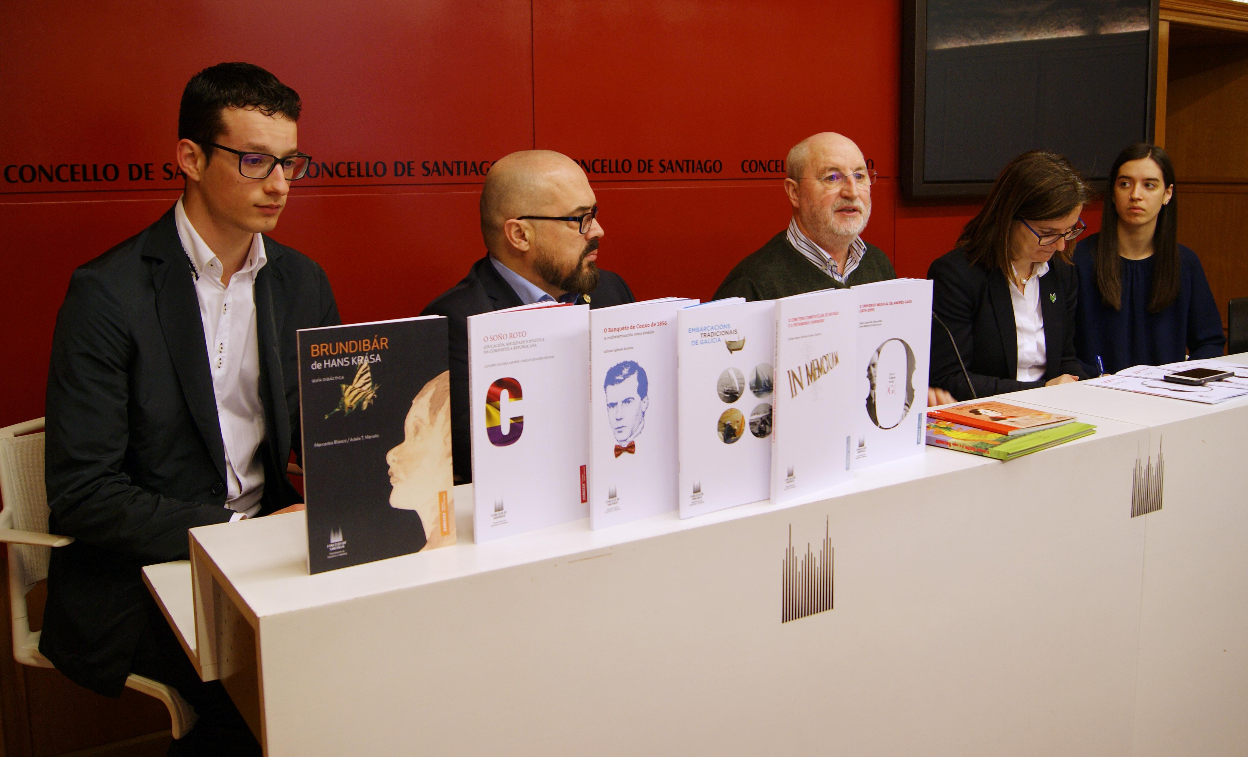 José Manuel Souto, Javier Garbayo, Manuel Dios, Mar Lorenzo e Zaira Caamaño durante a rolda.