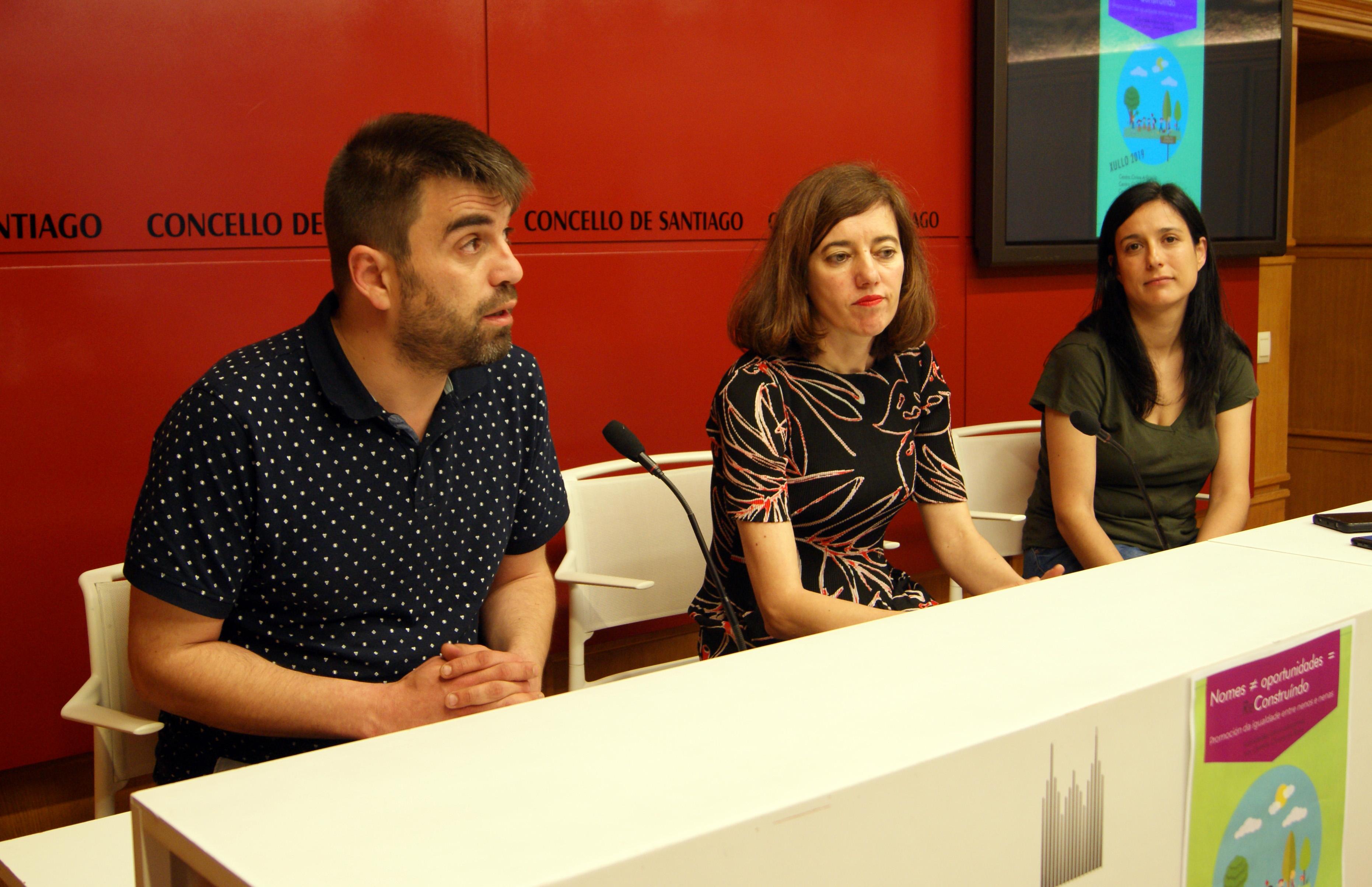 Rafael Peña, Marta Lois e María Pose, técnica de Centros Cívicos do rural.