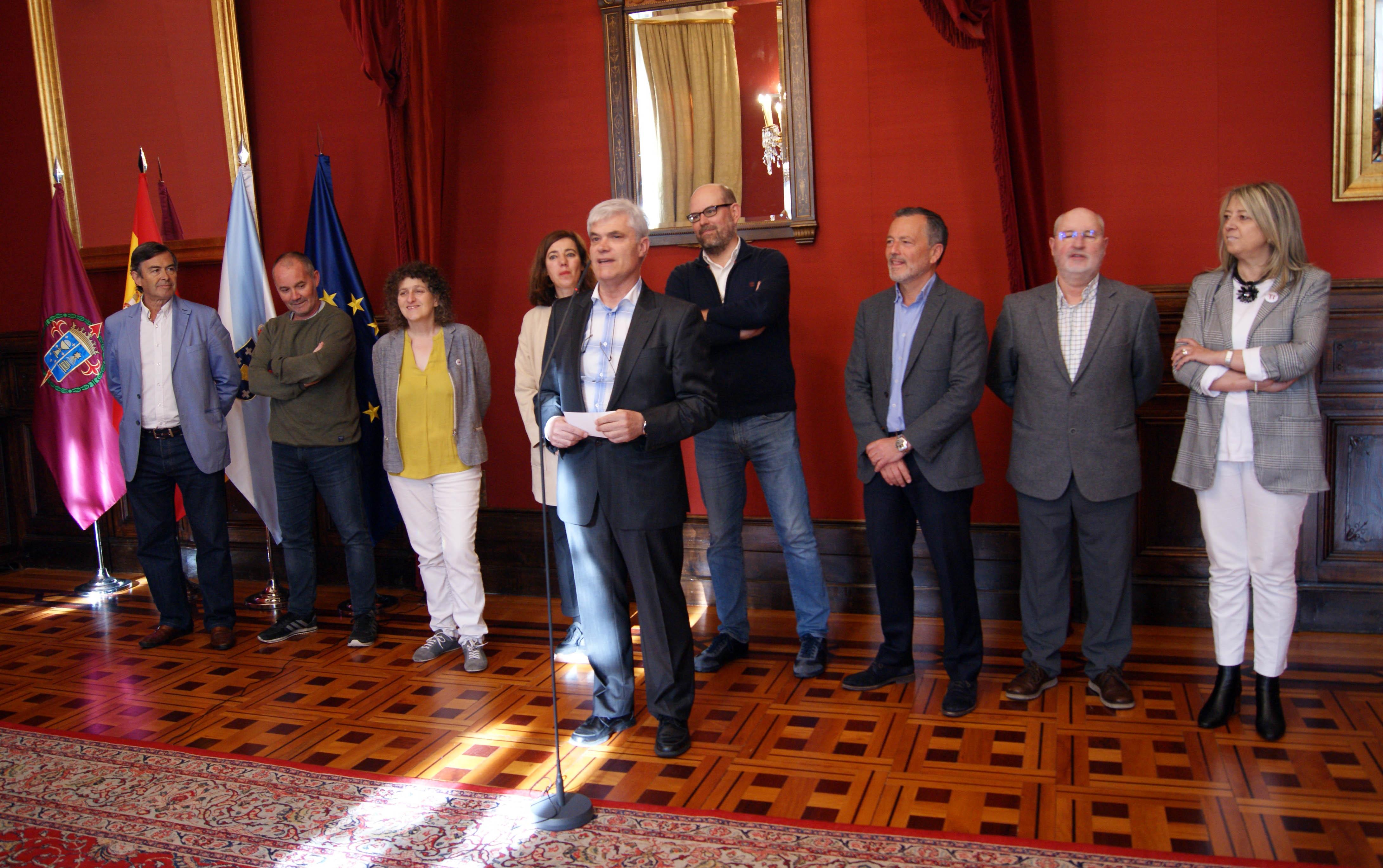 O secretario municipal, José Ramón Alonso, tamén dirixiu unhas palabras aos/ás empregados/as presentes.
