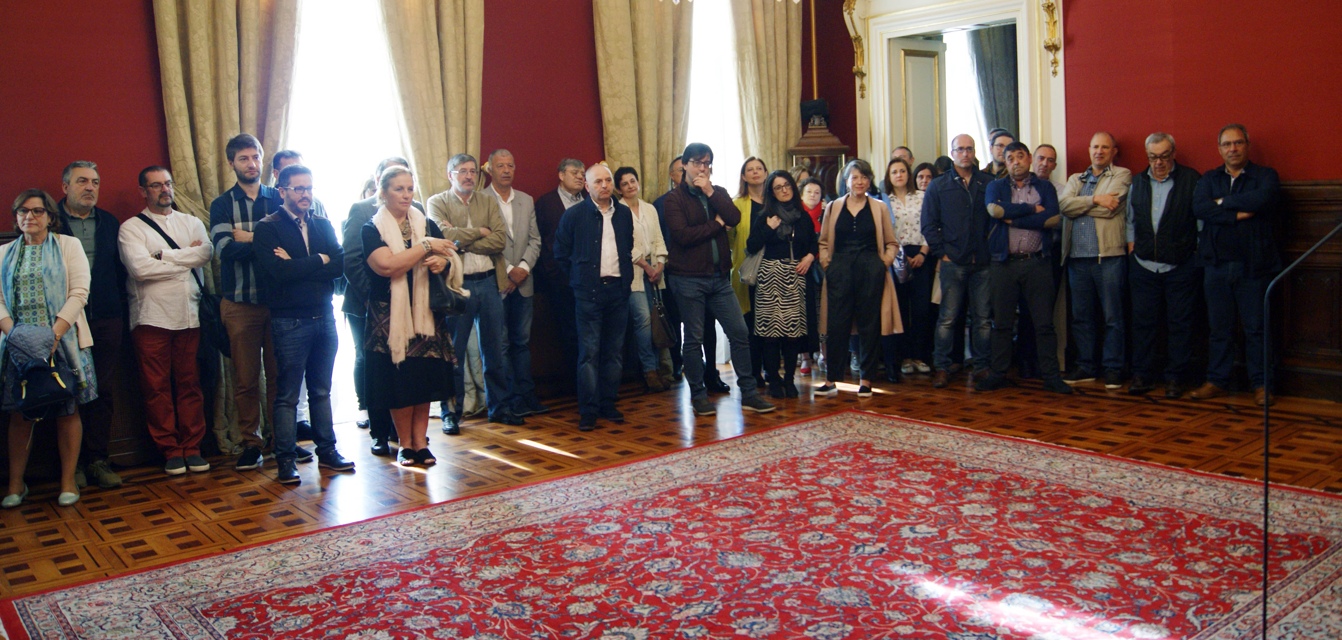 Parte dos traballaodores e traballadoras municipais durante a cerimonia.
