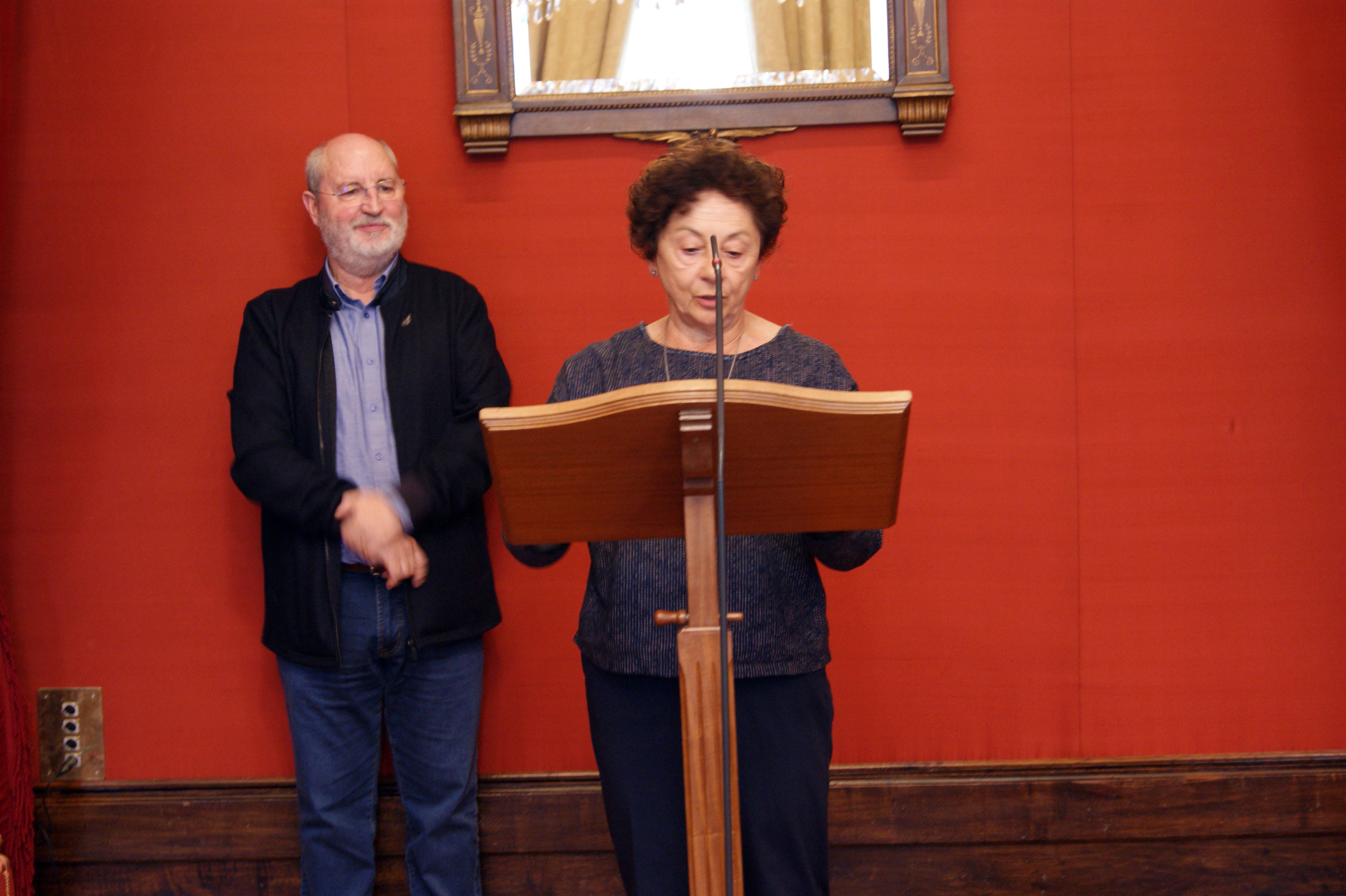Amalia Josefa Pasarín falou en nome dos profesores e profesoras.
