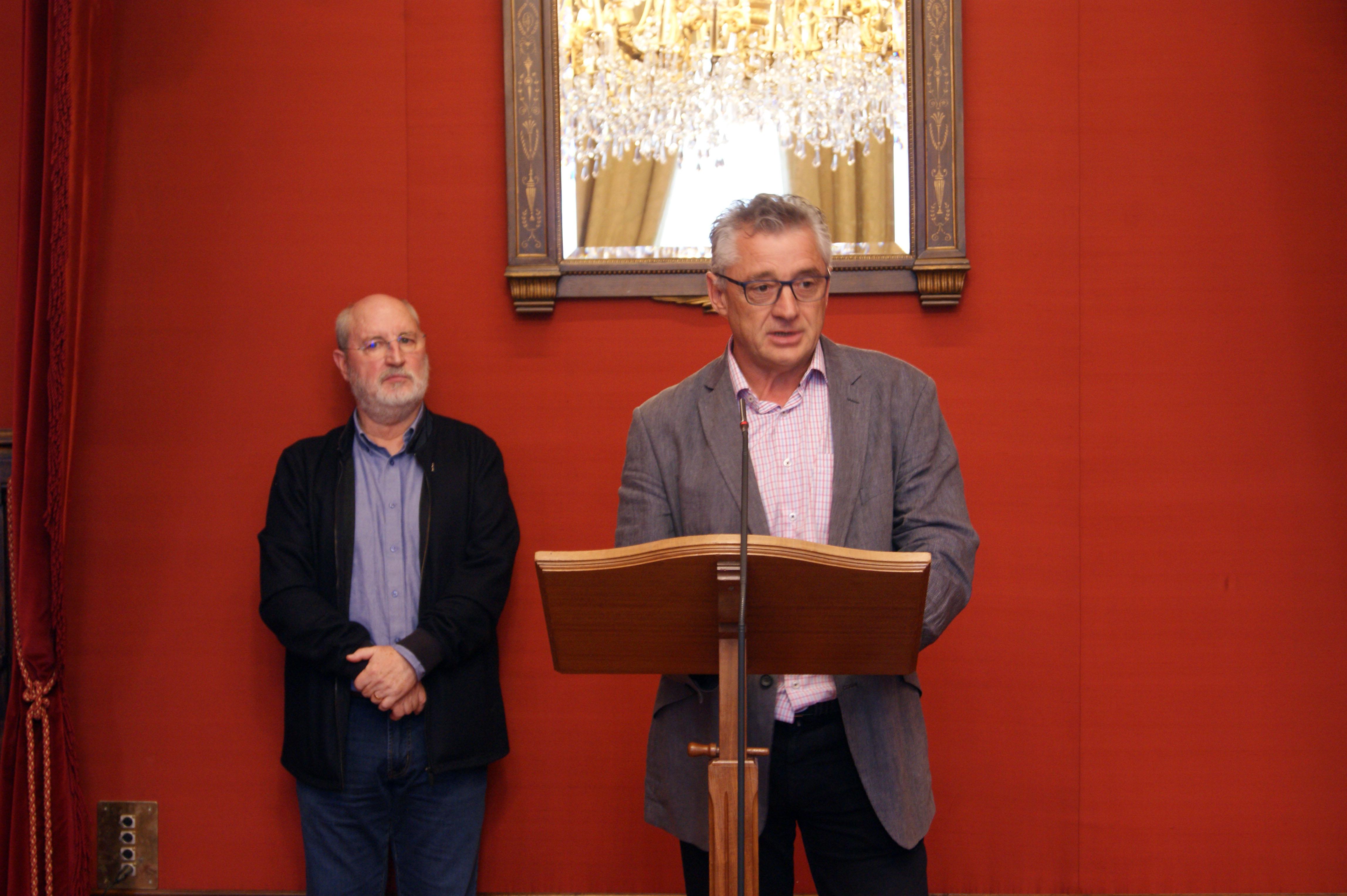 Pedro Meijide interveu na cerimonia en representación dos directores e directoras dos centros educativos.
