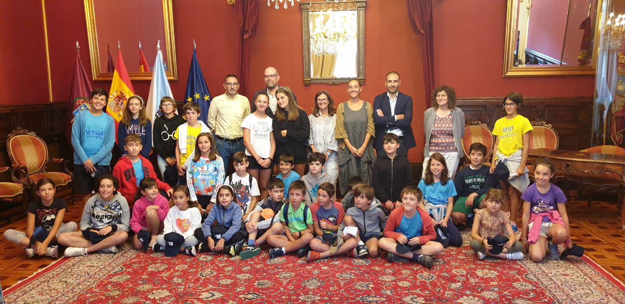 Foto de familia no Pazo de Raxoi.