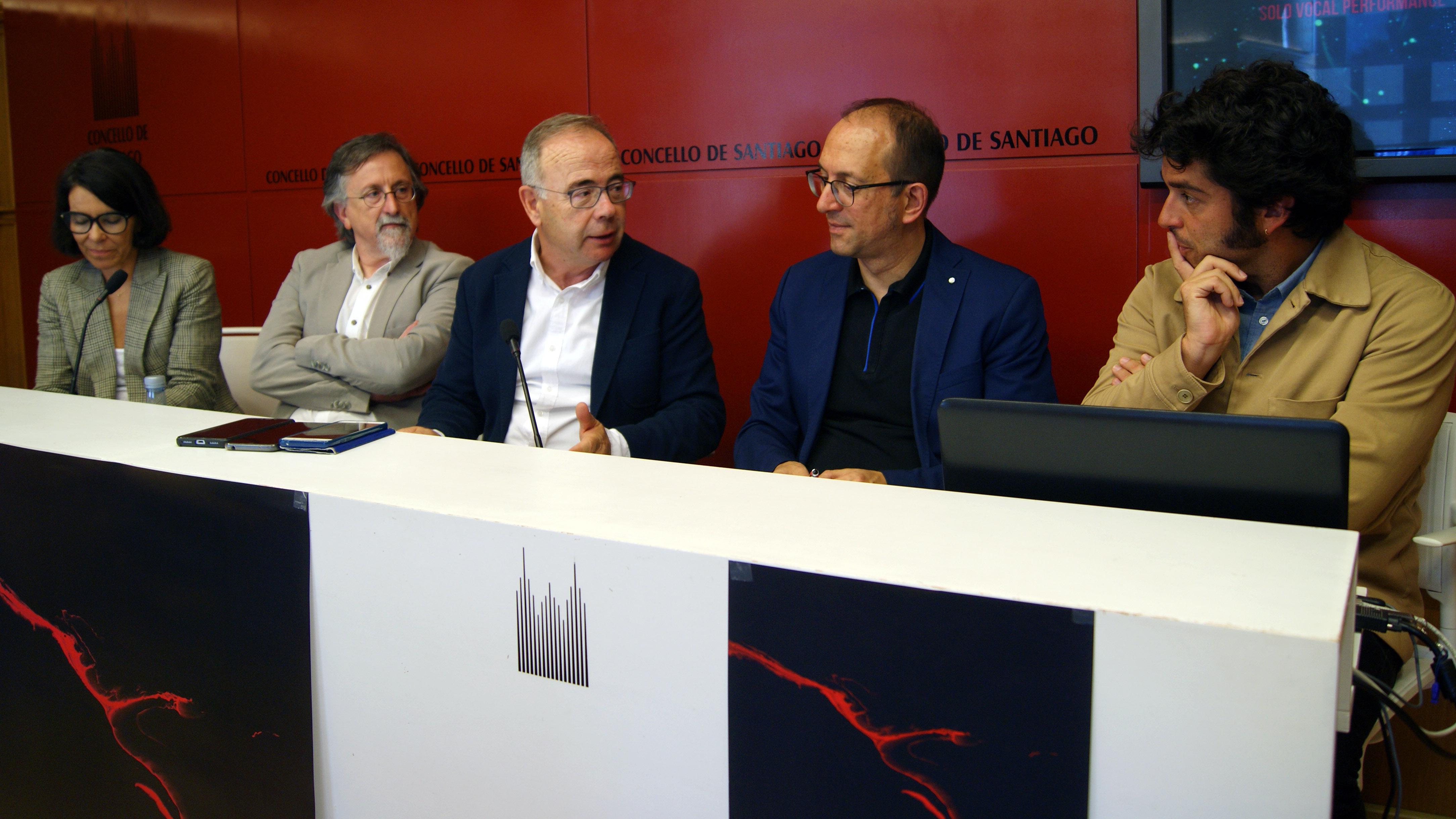 Mercedes Rosón, Xurxo Couto, Xosé Sánchez Bugallo, Anxo Lorenzo e Pela del Álamo na presentación do festival.