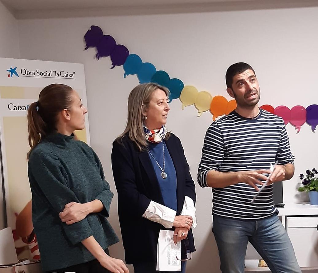Noa Díaz, Mila Castro e Julio Barreiro durante o acto.