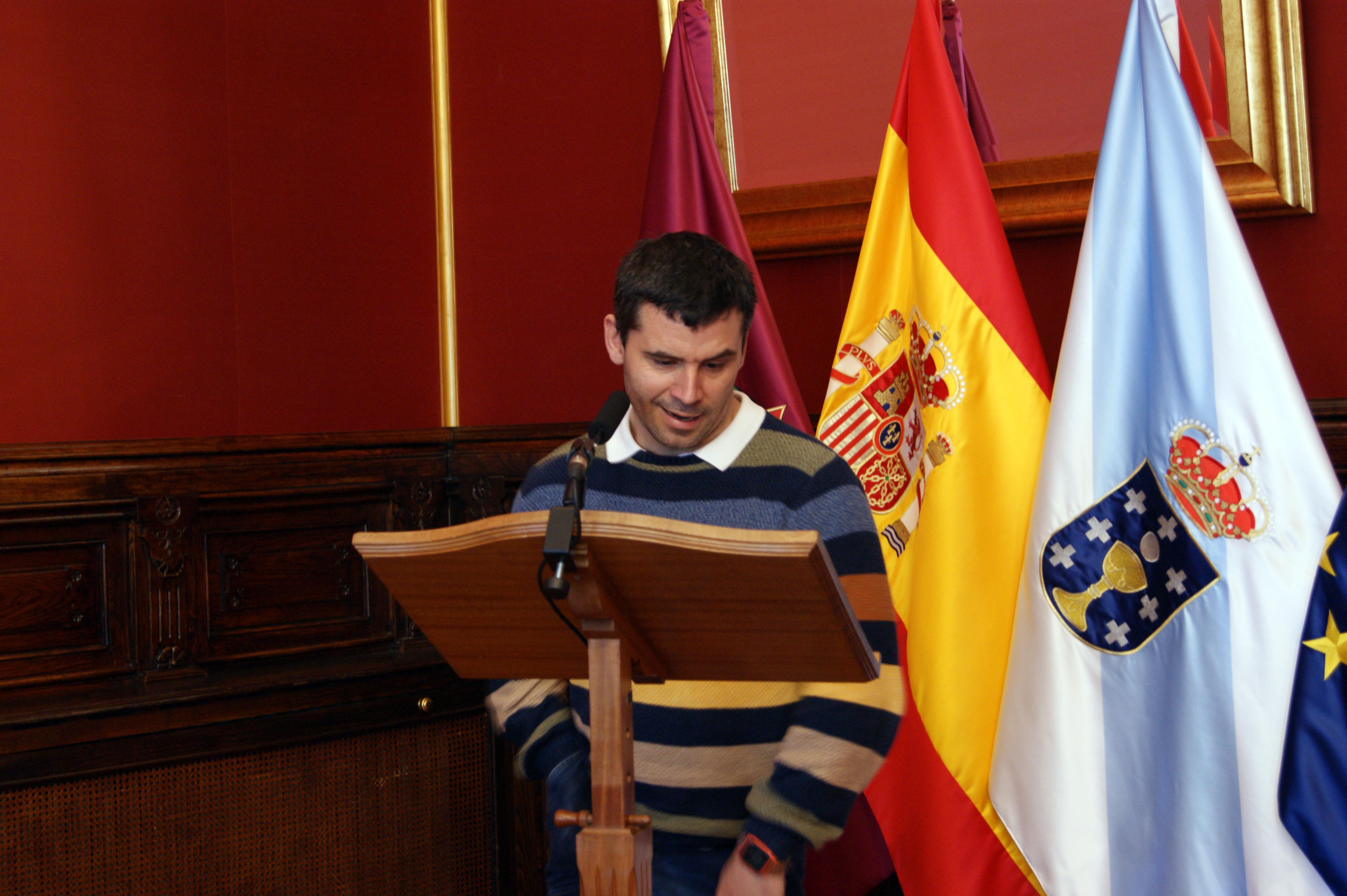 Lectura do fallo do xurado polo seu secretario, Ricardo Rivera.