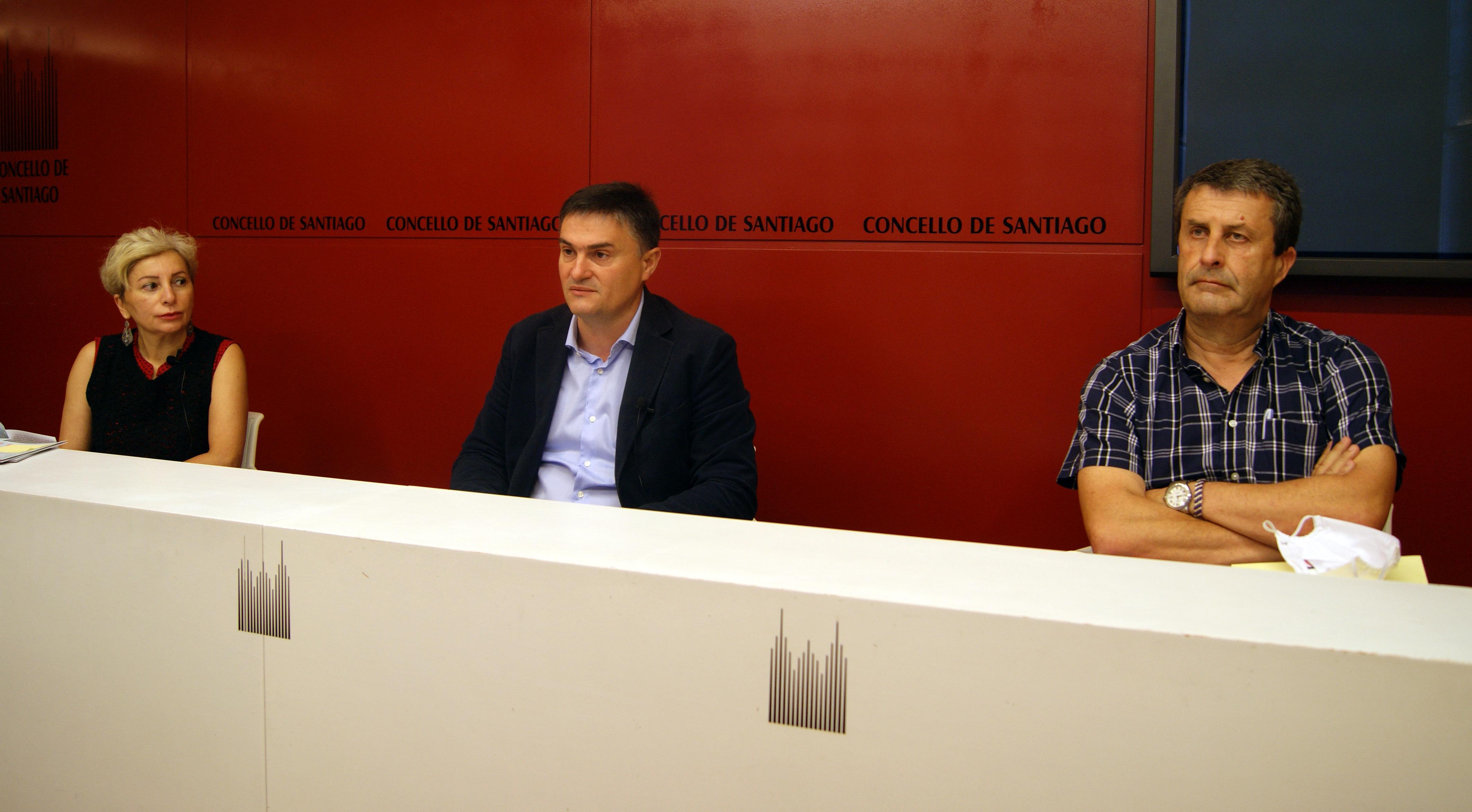 Lourdes de la Cruz, Javier Fernández e Enrique Vázquez na rolda de prensa.