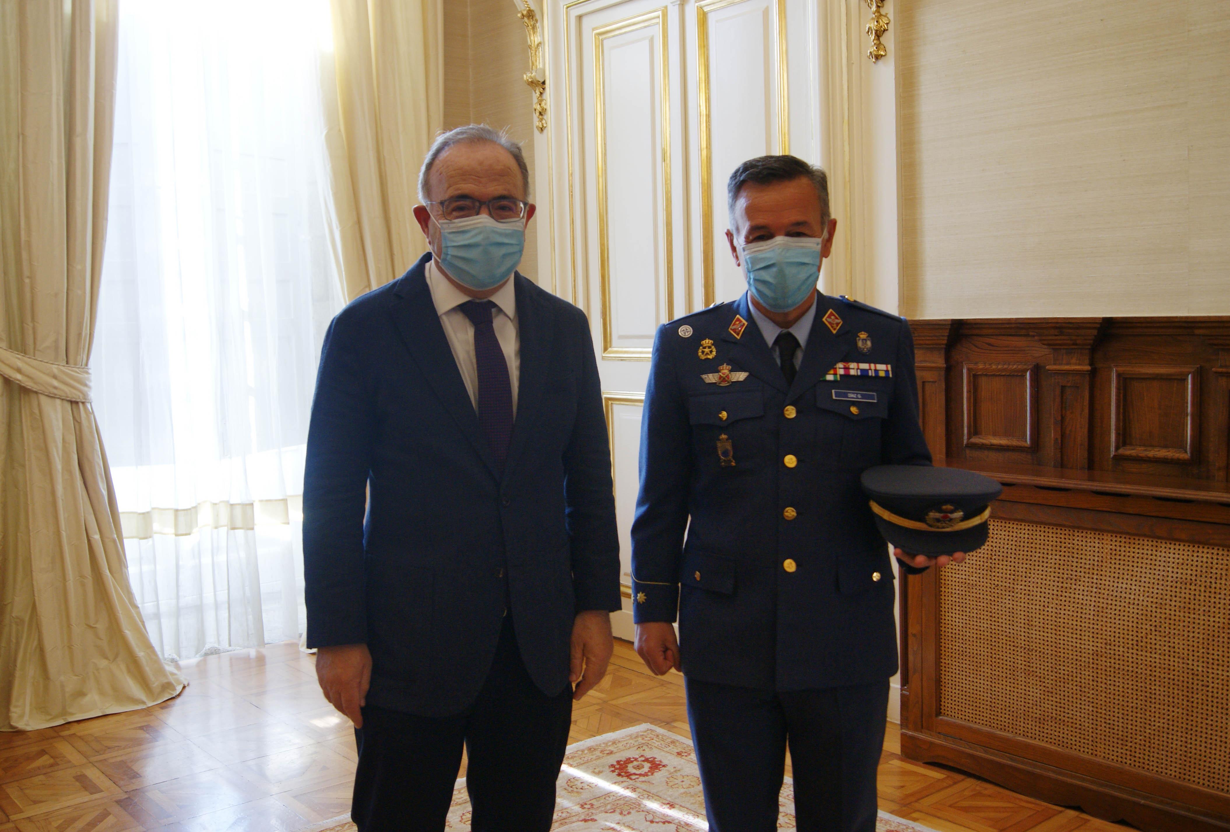 Xosé Sánchez Bugallo e Pedro M. Díaz González antes da xuntanza.