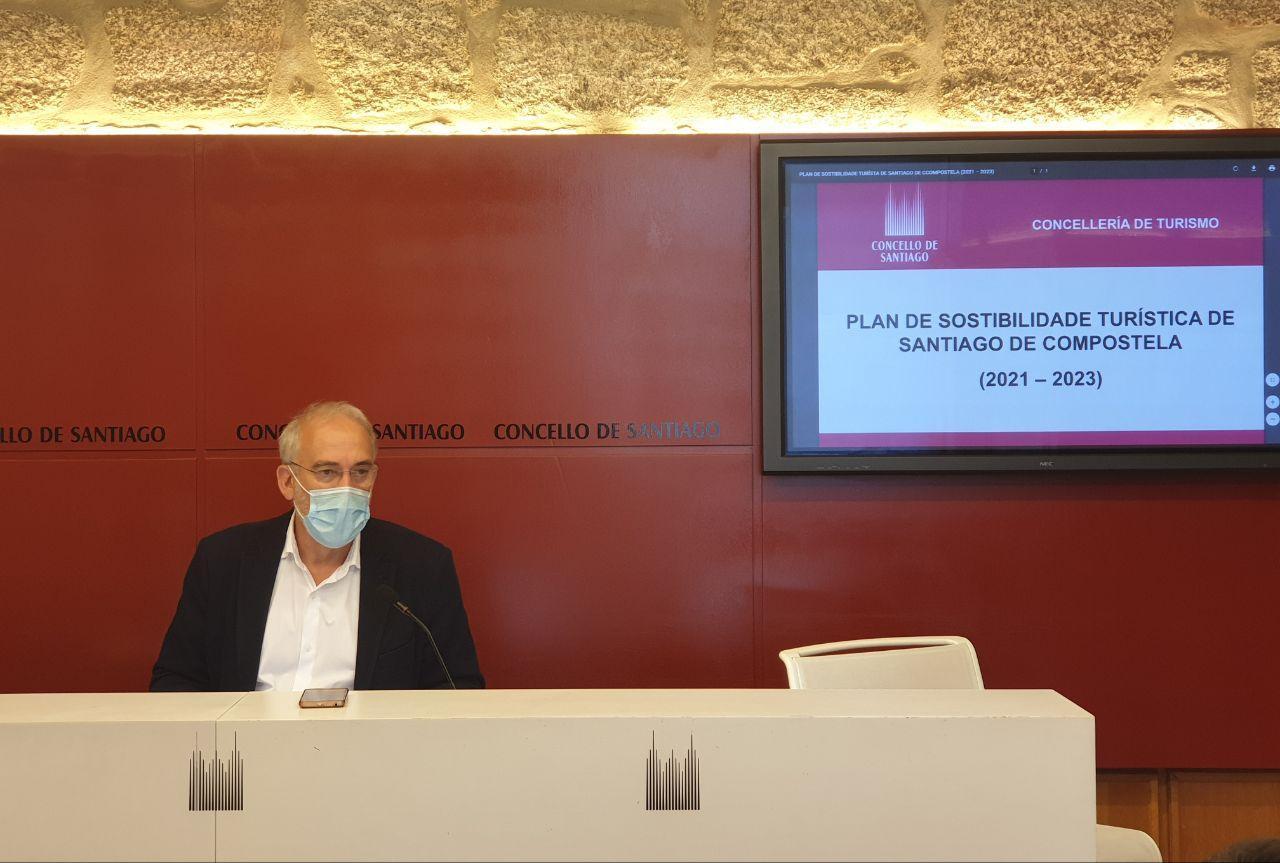 O concelleiro de Turismo presenta o Plan de Sostibilidade Turística 2021-2023 que contempla actuacións por valor de 4 millóns de euros en Santiago