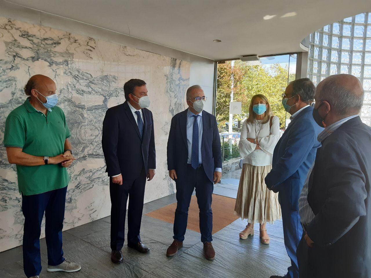 O alcalde e o presidente da Deputación durante a súa visita ao Polígono do Tambre