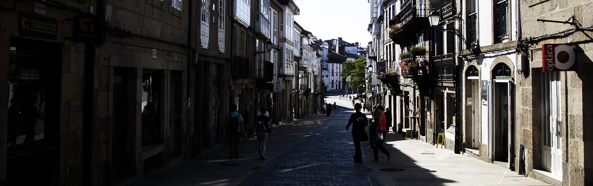 Establecementos hosteleiros e comerciais na rúa de San Pedro